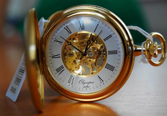 Mechanické kapesní hodinky Olympia 35035 s mechanickým strojkem s natahováním (POŠTOVNÉ ZDARMA!!)
