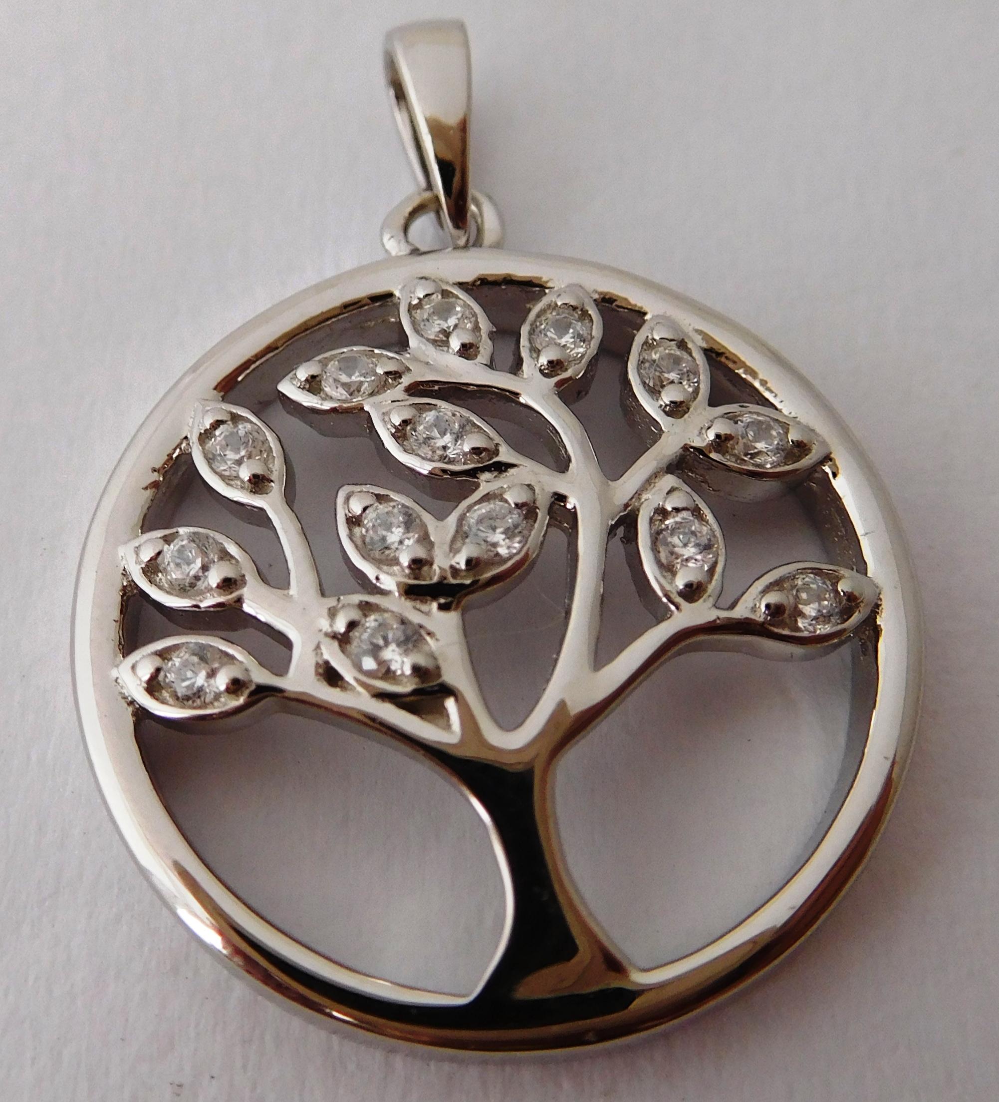 Krásný stříbrný přívěšek se zirkony - strom života 030571100001