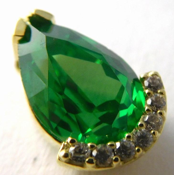 Mohutný zlatý přívěsek s velkým zeleným smaragdem a zirkony 585/2,05gr 246040786