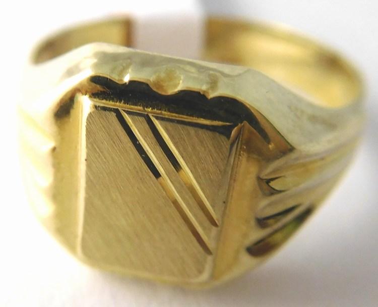 Pánský mohutný zlatý prsten s gravírováním 585/3,00gr vel. 58 T229