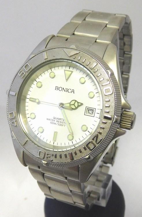 44a5a3fd921 Pánské vodotěsné ocelové hodinky Bonica 1459 s fosforeskujícími prvky