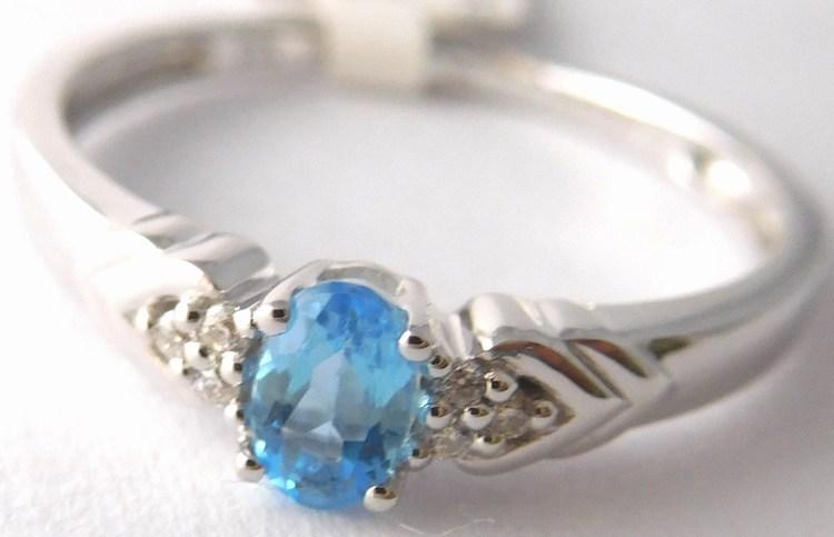 Zásnubní prsten z bílého zlata s modrým topazem vel. 57 585/1,97gr 3860450 (3860450 - POŠTOVNÉ ZDARMA - SKLADEM IHNED ODESÍLÁME)