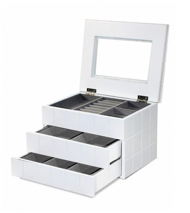 Třípatrová bílá dřevěná šperkovnice - šachovnice 100003293/95996