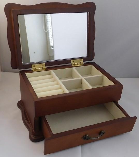 Stylová dvoupatrová dřevěná šperkovnice 95999/23223
