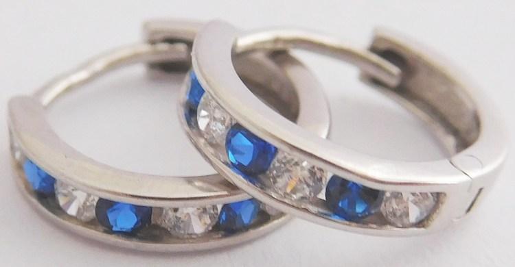 Dívčí náušnice - zlaté kroužky s modrými safíry 585/1,20gr 1181195