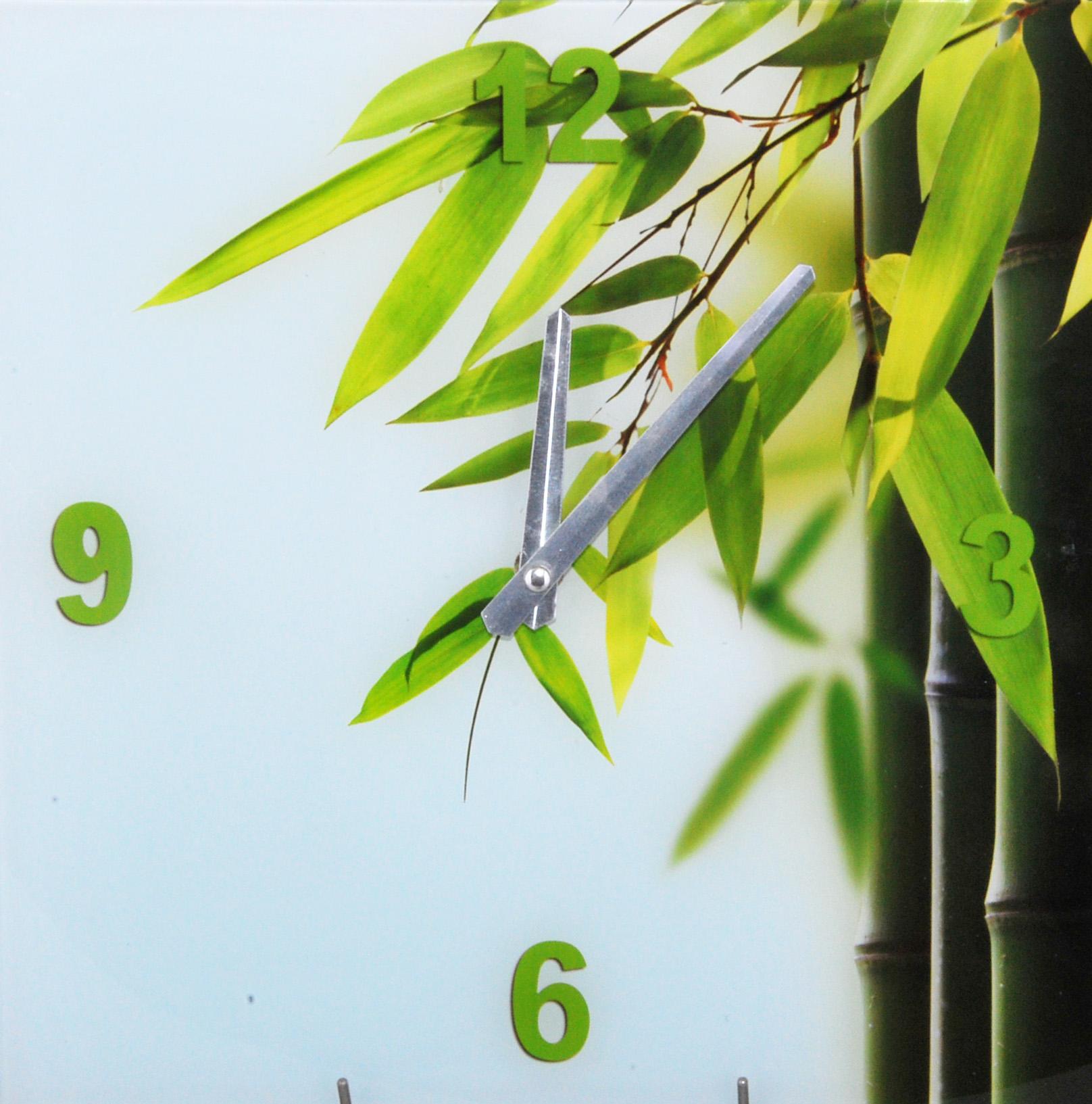 Designové skleněné nástěnné hodiny se zeleným bambusem 00013174