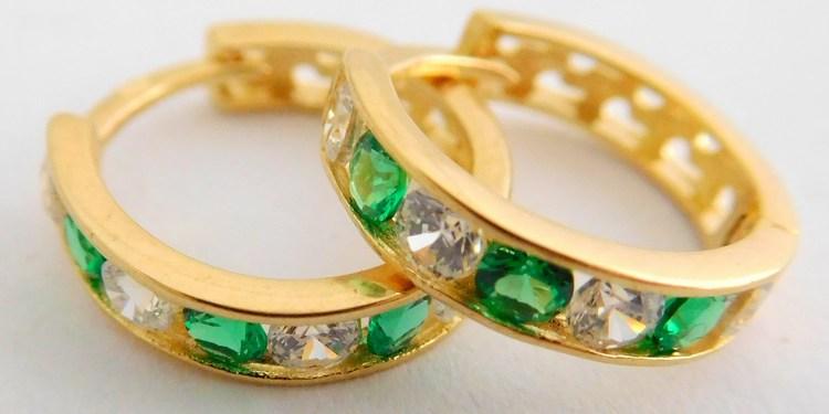Zlaté kroužky se zirkony a zelenými smaragdy průměr 12mm 585/1,37gr 1136024