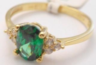 491f94a10 Mohutný zásnubní zlatý prsten se zirkony a velkým zeleným smaragdem 585/1,75gr  vel