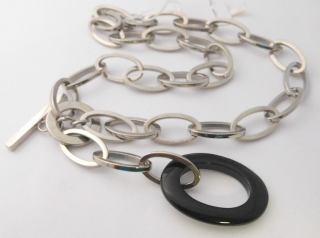 fb73fdca6 Mohutný dámský ocelový náhrdelník z chirurgické oceli s černou keramikou  (oválek) délka cca 45cm
