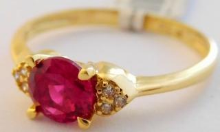 20e52b00f Zásnubní mohutný zlatý prsten s červeným rubínem a zirkony 585/1,82gr vel.